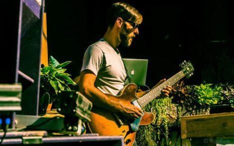Guitarist Andrew Block of the Russ Liquid Test.