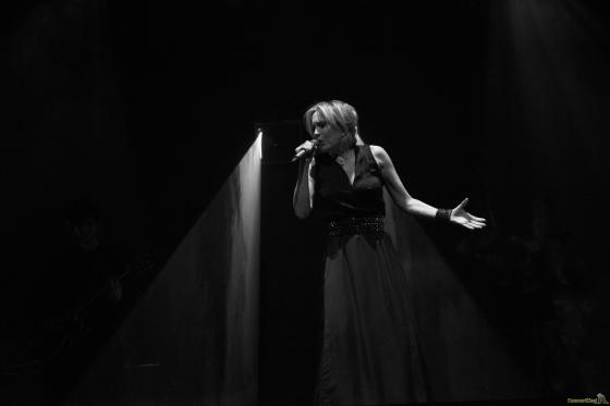 04 patricia profil gauche - Patricia Kaas, Mademoiselle chante l'or