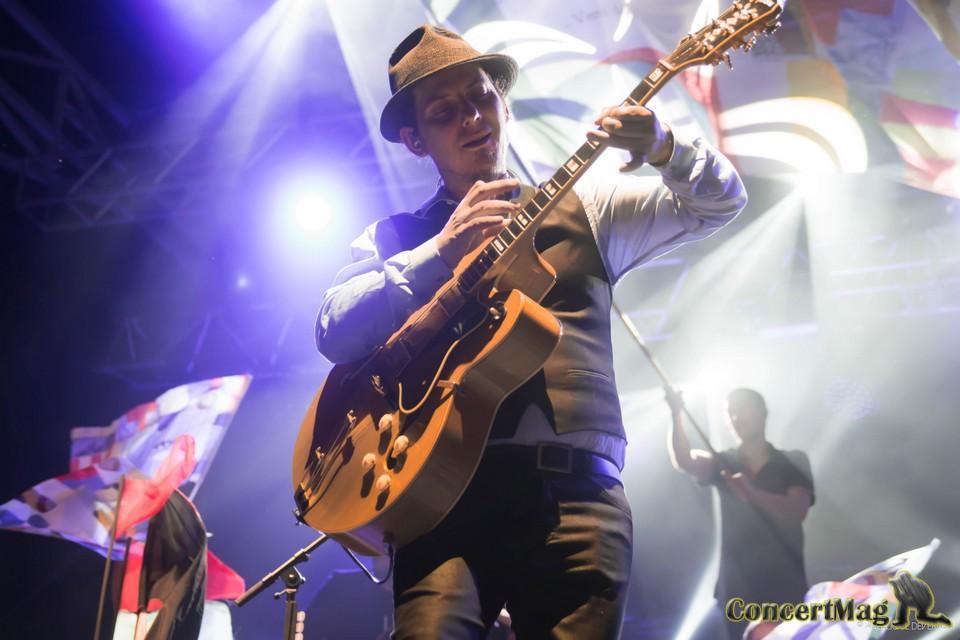 DSC 0605 - Tryo sur la scène du Festival Saute-Mouton (65)