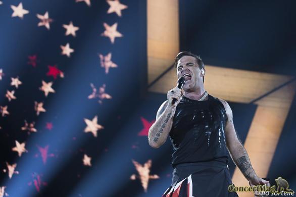 Robbie 14 - Robbie Williams fait le show à l'Accor Hôtels Arena
