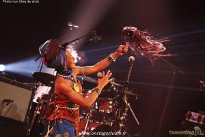 IMG 5897 Copier 300x200 - Fatoumata Diawara en concert