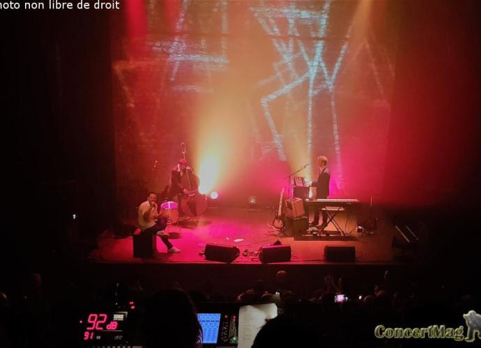 govrache3 - Govrache jongle avec les mots etenslamme le Café de la danse!