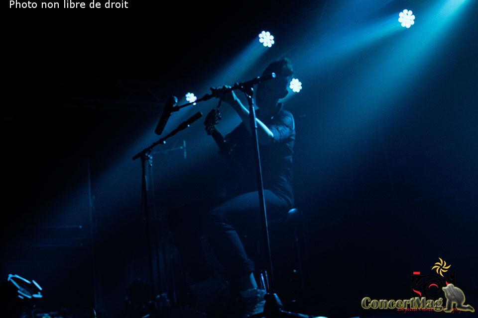 photo 19 - ALONE AND ME de l'electro rock acoustique addictif