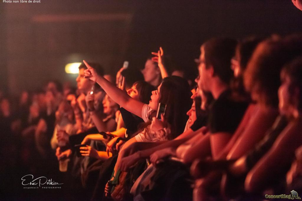 The Kooks 7 - The Kooks au Zénith de Paris, un concert placé sous le signe de la nostalgie et de la bonne humeur.