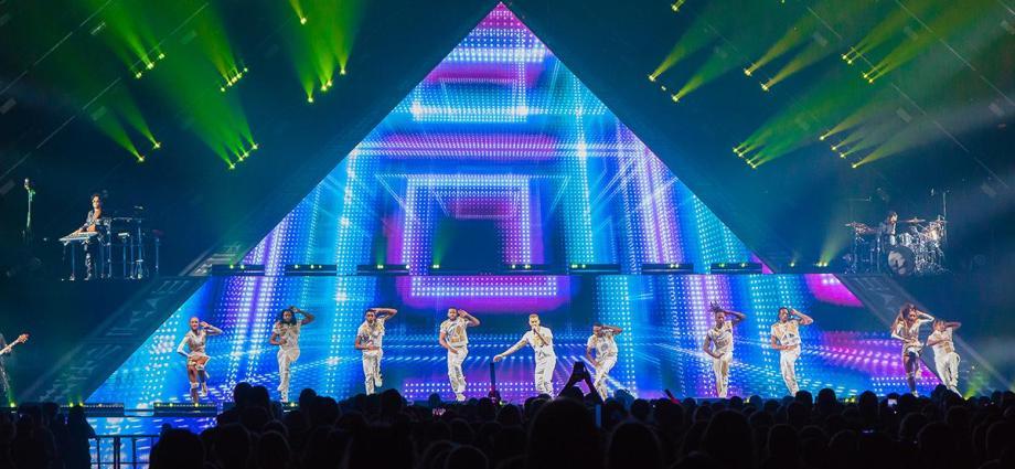 13 - La Pyramide de Matt Pokora à Tours