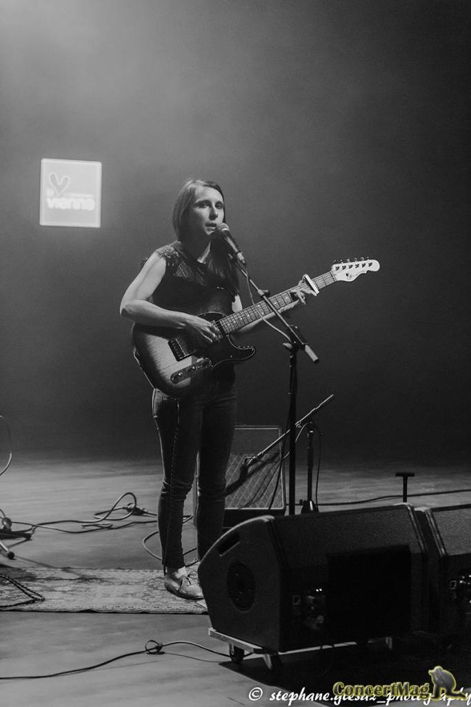 1 - Natasha St Pier, intime et talentueuse à Chasseneuil