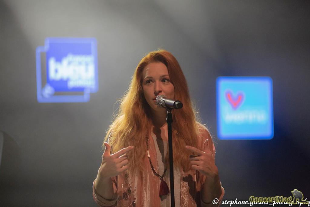 3 1 - Natasha St Pier, intime et talentueuse à Chasseneuil