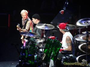 DSC06841 300x225 - Les Red Hot Chili Peppers enflamment l'AccorHotel Arena 16.10.16