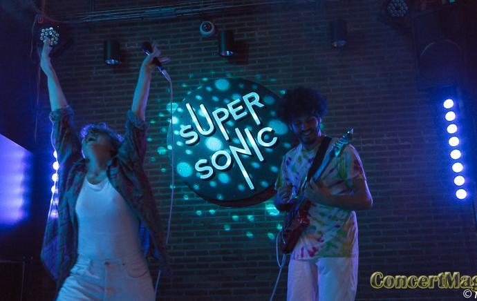 Slide ChM - Charlotte&Magon, La chica et Hannah Clair au Supersonic
