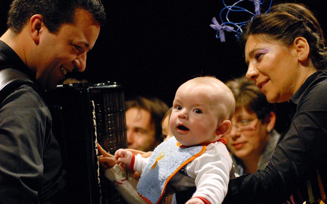 Bebés embalados por Noturnos de Chopin