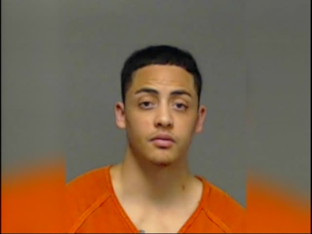 Man Gets Tasered After Assaulting Police at Taco Bell_23401308-159532