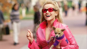 Elle Woods (Reese Witherspoon) excitedly arrives at Harvard Law School, determined to show everyone she can be serious.