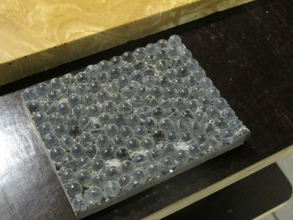béton échantillon grosses billes