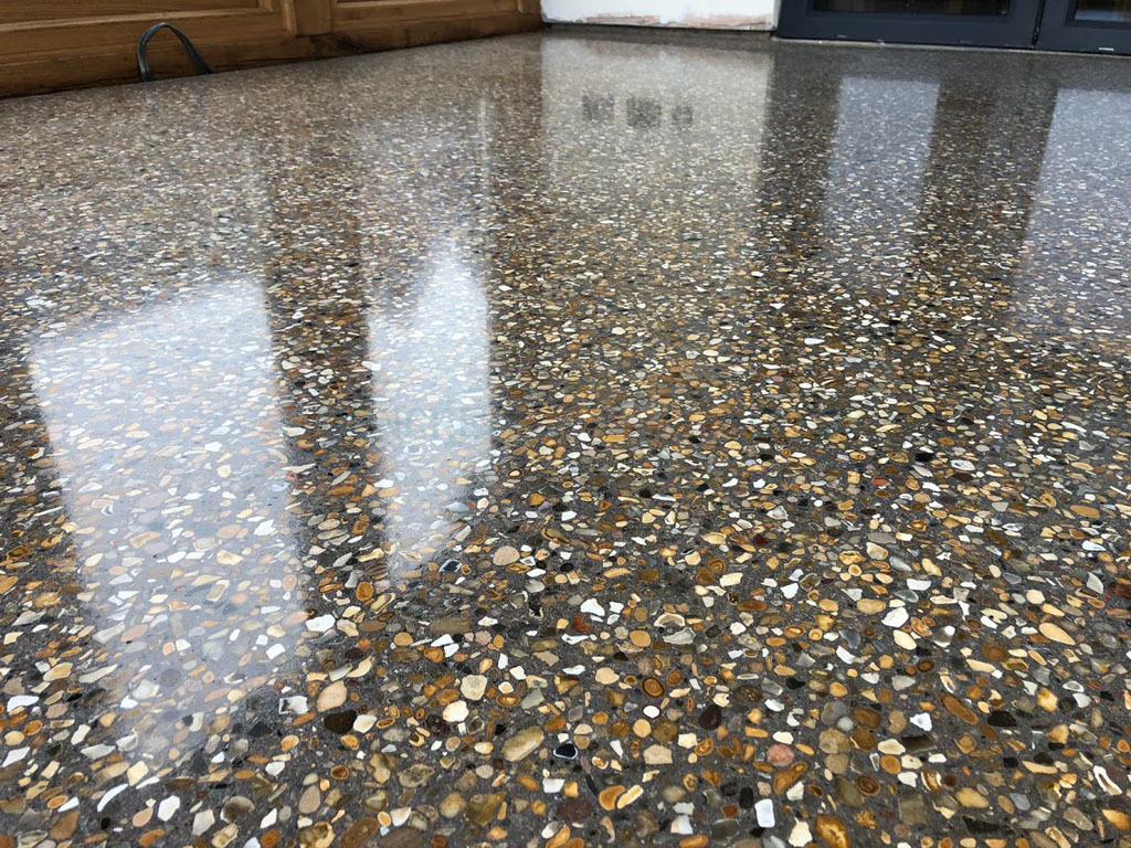 Premium Husqvarna HIPERFLOOR™ Polished Concrete Floor Golden Aggregate