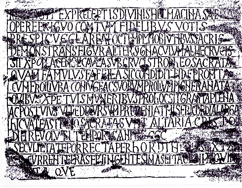 Lápida fundacional de la iglesia de Santa Cruz de Cangas de Onis