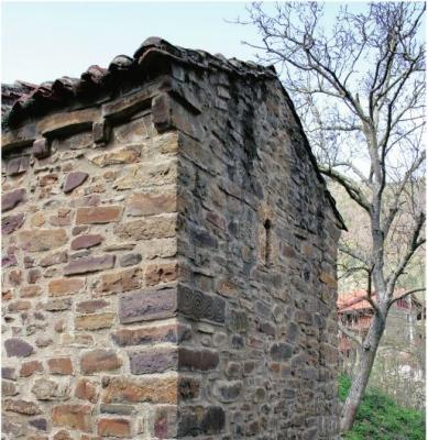 Ábside de San Andrés de Enterría