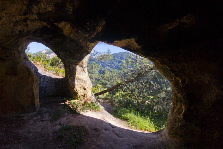 Interior eremitorio San Pedro de Tartalés de Cilla (burgos)