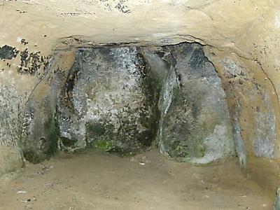 interior de la ermita de san martin de castilseco