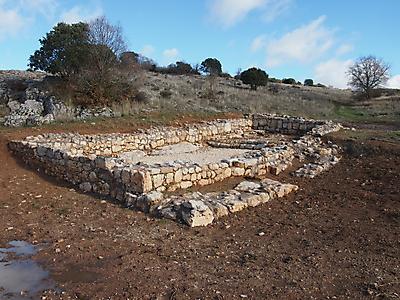 resto de ermita del siglo xiii junto a fuente de los martires 20140112 1201633056