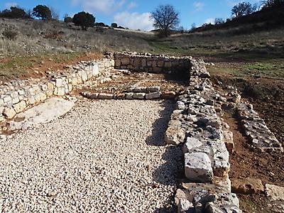 restos de ermita cerca de la fuente de los martires 20140112 1979973563