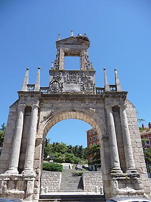 Arco de Fernán González