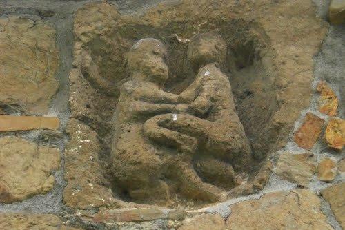 Relieve del muro sur de San Pedro Abrisqueta