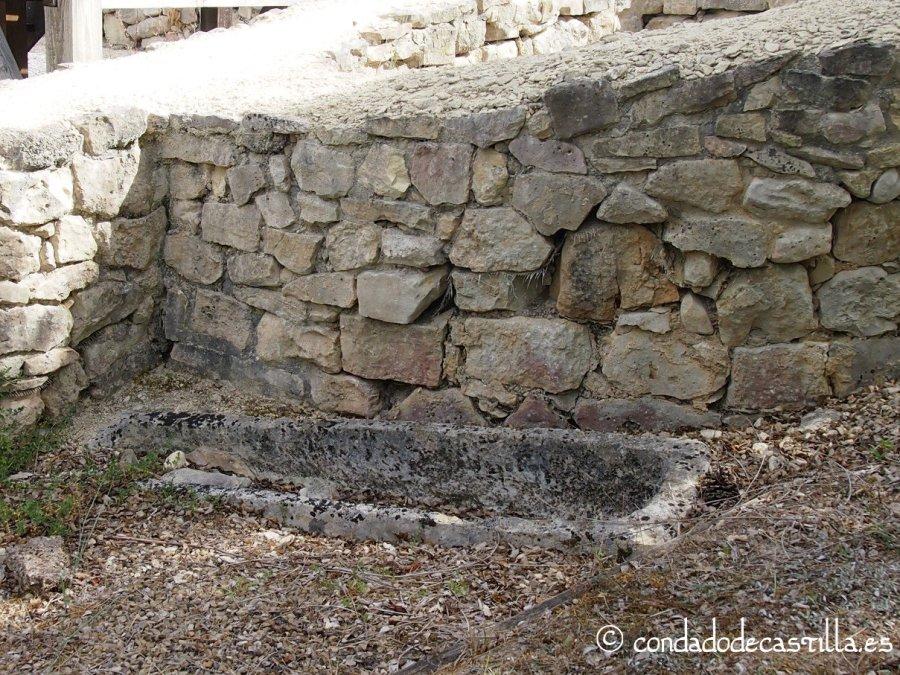 Tumba excavada en la roca en Santa María de Mijangos