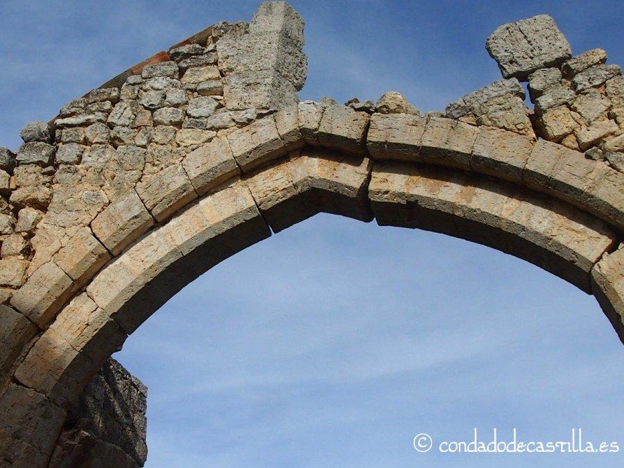 Arco de la ermita de San Salvador de Tamarón (Burgos)