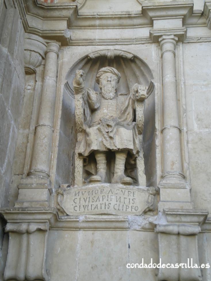 Estatua Nuño Rasura en Bisjueces