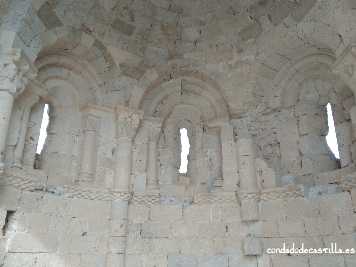 Interior del ábside de San Miguel de Sacramenia