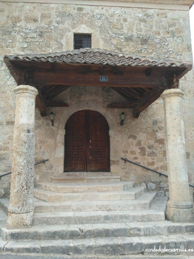 Acceso iglesia de Santa Marina de Sacramenia