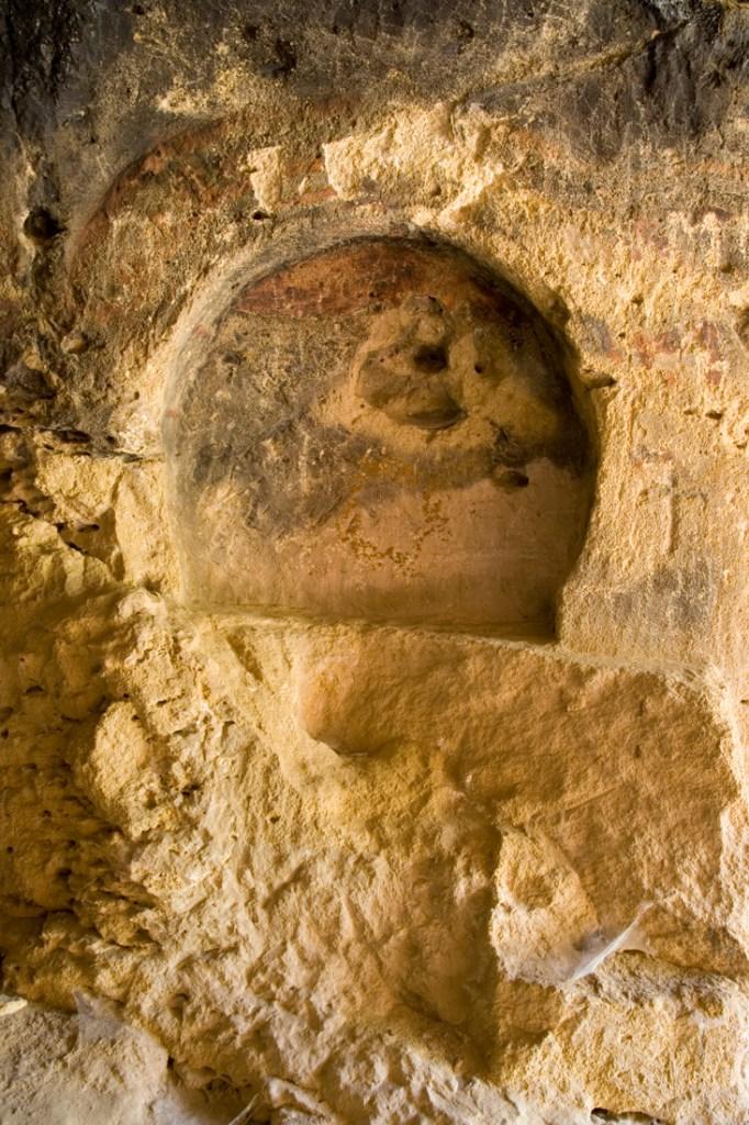 Altar central del interior de la Cueva de los Siete Altares