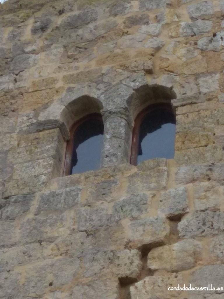 Detalle ventana torre de Itero del Castillo