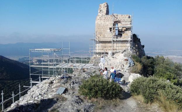 Excavaciones en el castillo de Portilla (Álava)