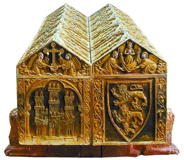 Escudos en els epulcro de Alfonso VIII de Castilla y Leonor de Plantagenet en el monasterio de Las Huelgas (Burgos)