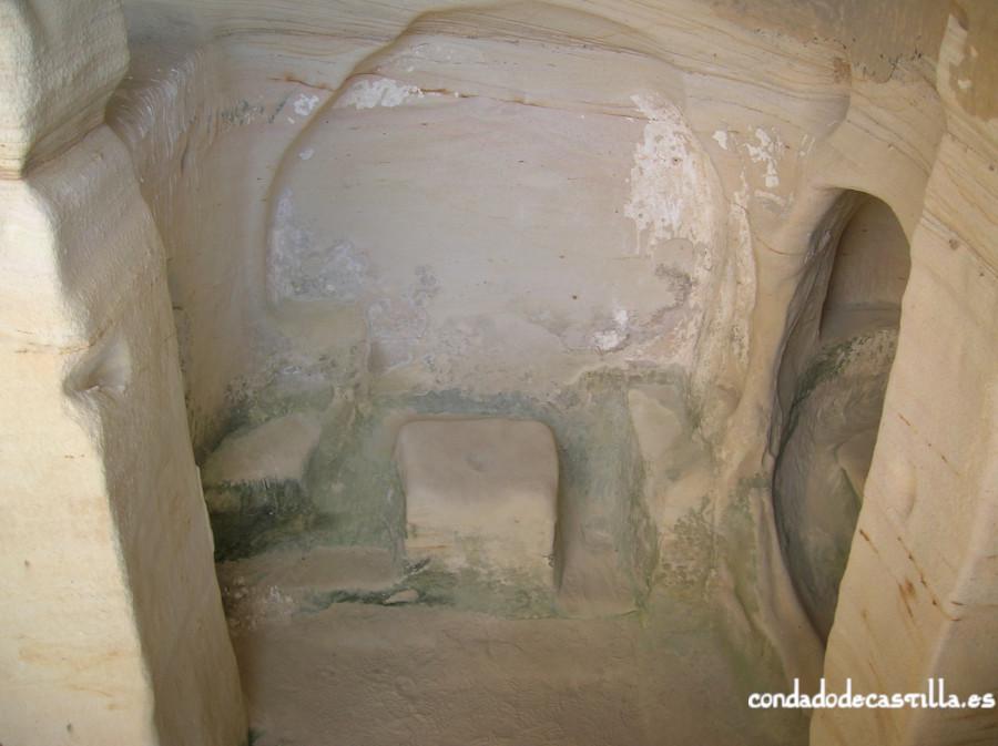Altar de San Miguel de Presillas de Bricia