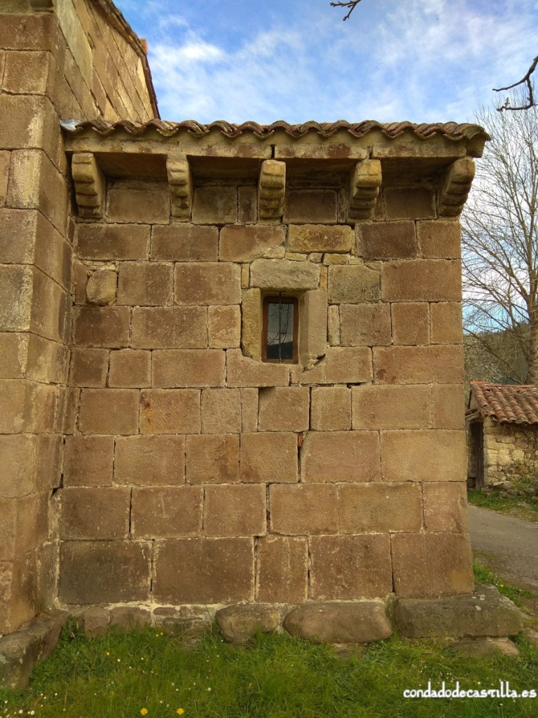 Muro sur del ábside de Santa Leocadia de Helguera