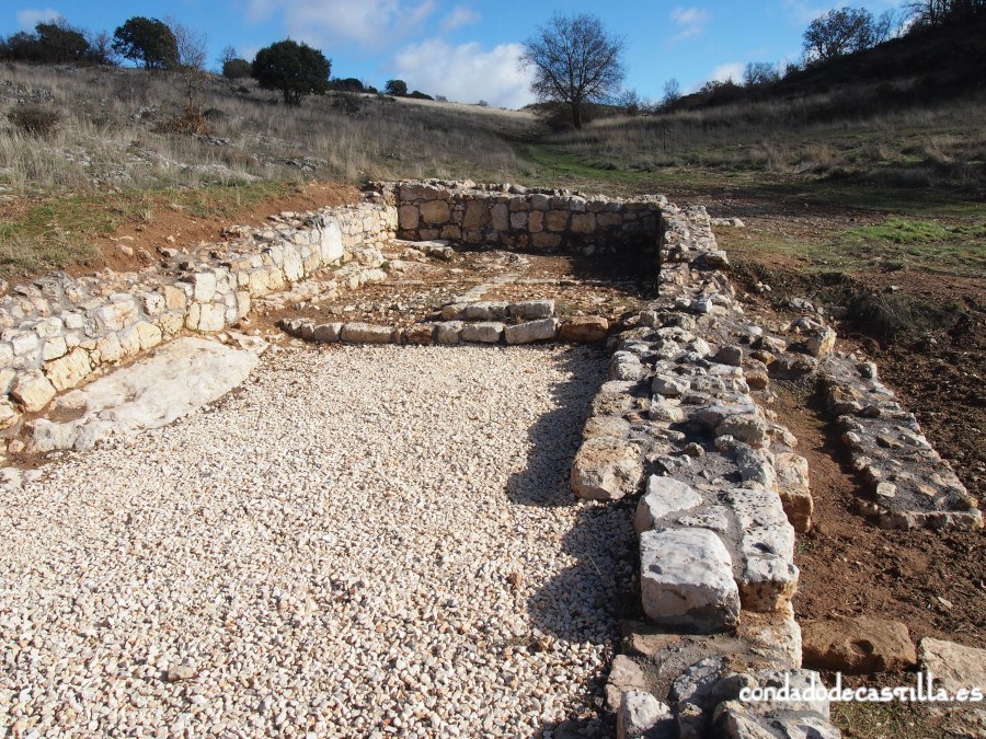 Restos de ermita y poblado medieval cerca de la Fuente de los Mátires en Modúbar de San Cibrian