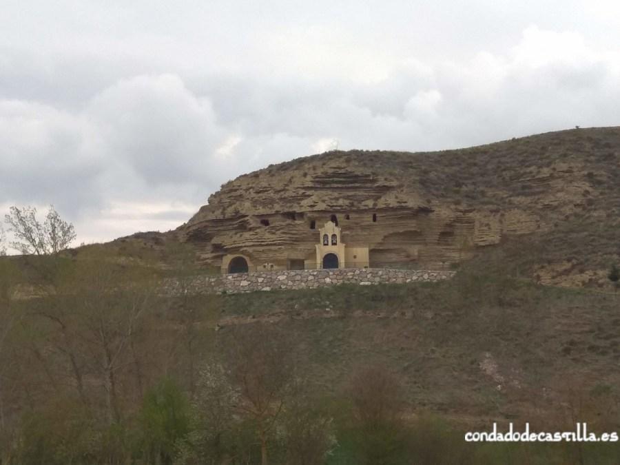 Ermita rupestre de Tosantos