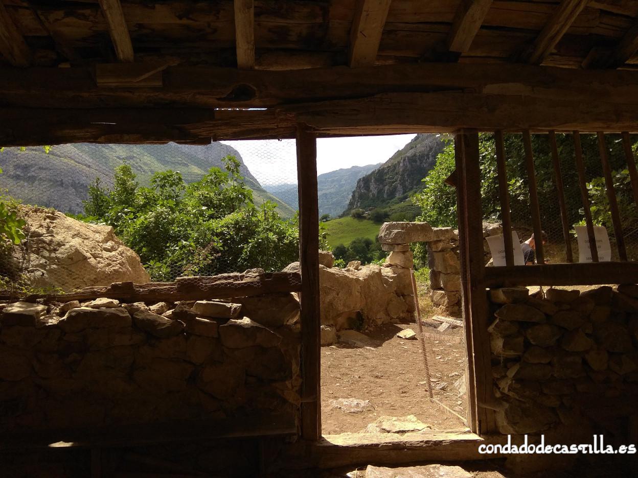 Vistas del valle del Asón desde San Juan de Socueva
