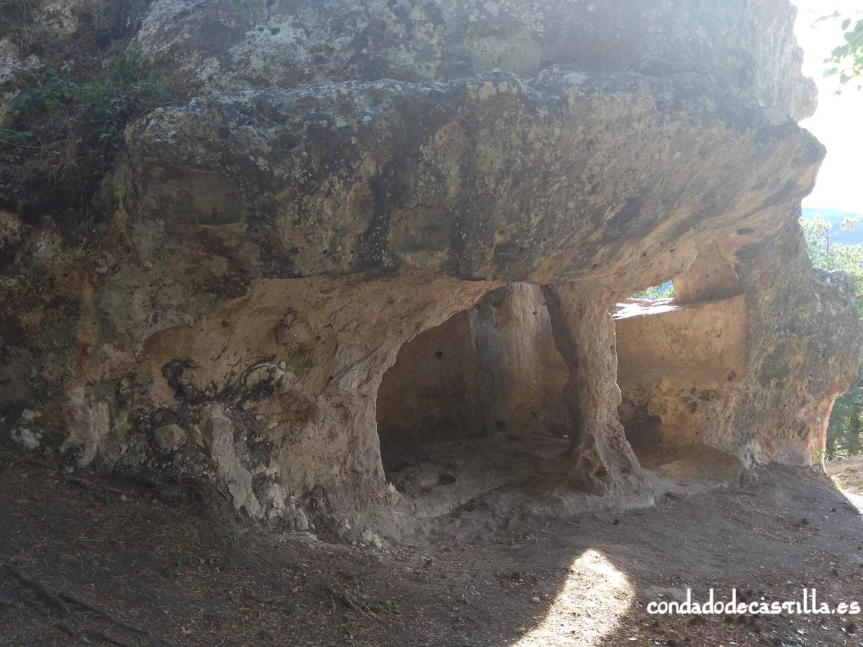 Planta inferior de Cueva Santiago (Pinedo)