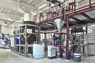 Pilotanlage im Technikum der K-UTEC zur Aufbereitung von Rohstoffen, beispielsweise zur Herstellung von batterietauglichem Li2CO3