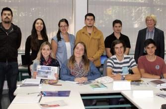 Auszubildende am Insalco im ersten Ausbildungsjahr: Die jungen Menschen berichten in dieser Cóndor-Spezialausgabe aus ihrem beruflichen Alltag. Foto: Arne Dettmann