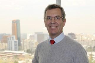 Dr. Bernd Oberpaur ist nicht nur Chefarzt der Deutschen Klinik Santiago, sondern auch Vorsitzender der evanglisch-lutherischen Erlöserkirche: «Unsere Gemeinde ist nicht groß und wir werden älter.» Foto: Walter Krumbach