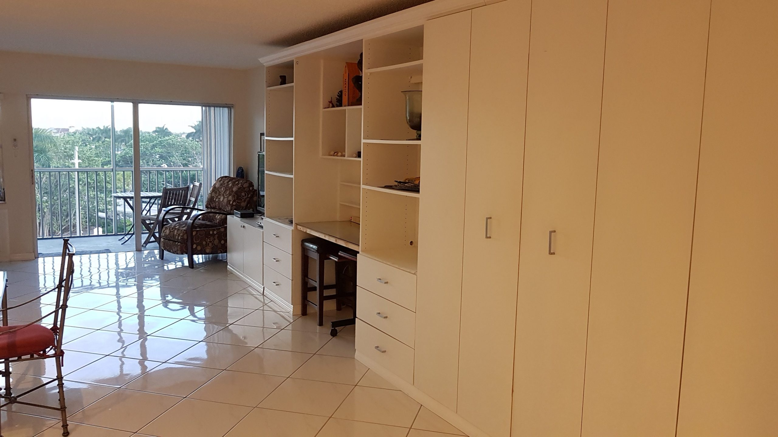 Murphy bed and office desk