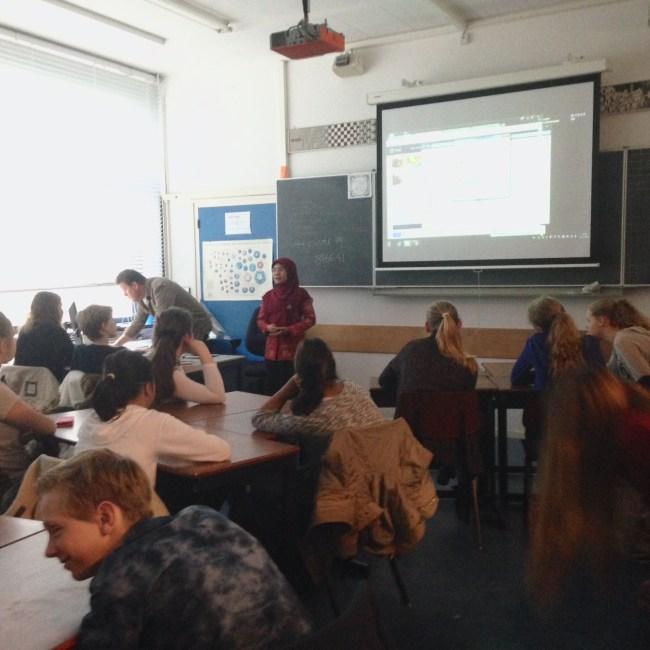Presentasi tentang Indonesia disalah satu sekolah di Voorburg - Belanda