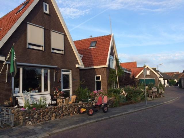Desanya apik dan bersih