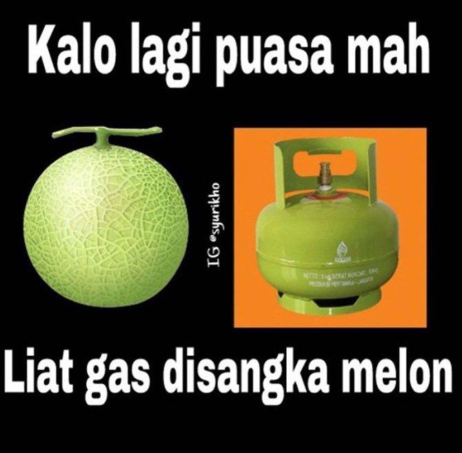 sumber : http://www.merdeka.com/peristiwa/meme-lucu-nggak-fokus-saat-puasa.html