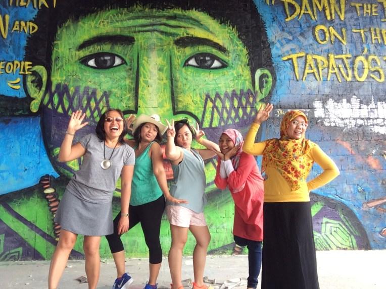 Dari kiri ke kanan : Mbak Dian, Beth, Anggi, Mia, Deny