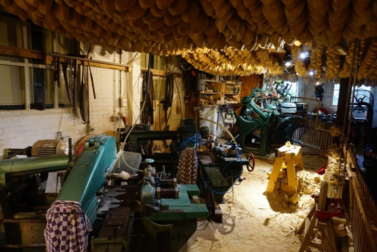 Tempat pembuatan klompen